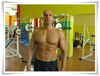 Mark Cannelli, personal trainer esperto di body building e autore del mini corso